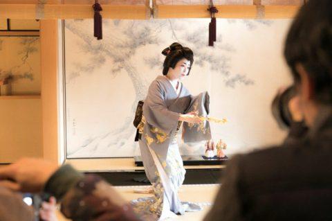 【毎日新聞】全国花街芸妓イベント第3回奈良まち花あかりの記事掲載